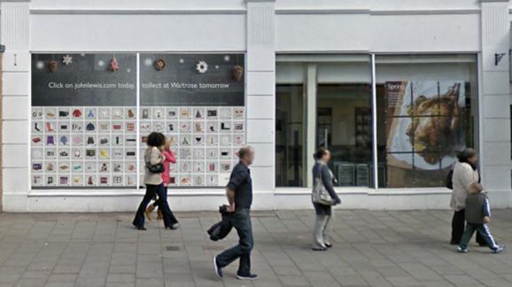 อังกฤษเอาบ้างเปิดป้ายโฆษณาที่ช้อปสินค้าด้วย QR Code