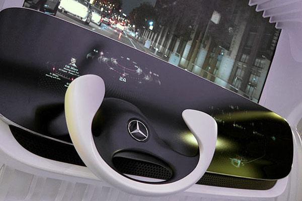 คอนโซลรถแห่งอนาคตจาก Mercedes-Benz (Video)
