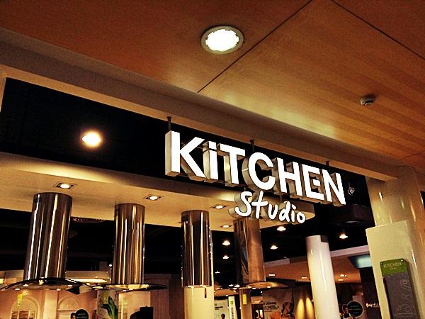 """Kitchen Studio ครัว """"ลอง"""" ได้จริง จาก บุญถาวร"""