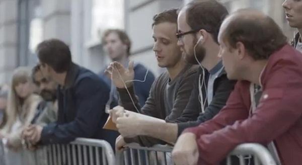 Samsung ถึงแฟน iPhone 5  : You're Idiots! [VIDEO]