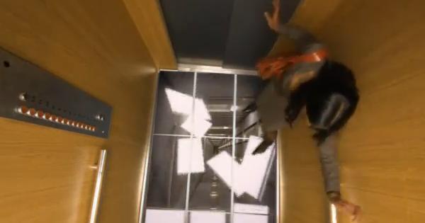 """LG สาธิตความสมจริงของหน้าจอ IPS ด้วย """"ลิฟต์"""""""
