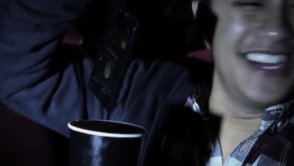 โซนี่ใช้เทคนิคเจมส์ บอนด์ แจกมือถือกันน้ำ