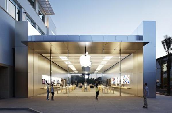 1 ตารางฟุตในร้าน Apple Store ทำเงิน 1.8 แสนบาทต่อปี!