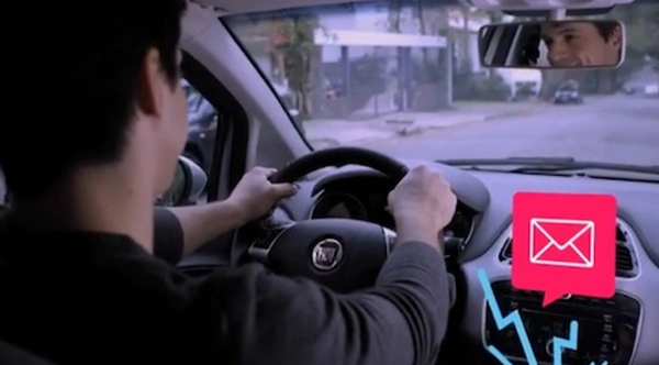 Fiat เปิดตัวรถใหม่เล่นเฟซบุ๊กทวิตเตอร์ได้