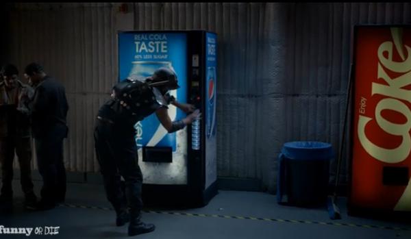 เป๊ปซี่ดัดหลังโค้กด้วยโฆษณาล้อเลียนสุดฮา