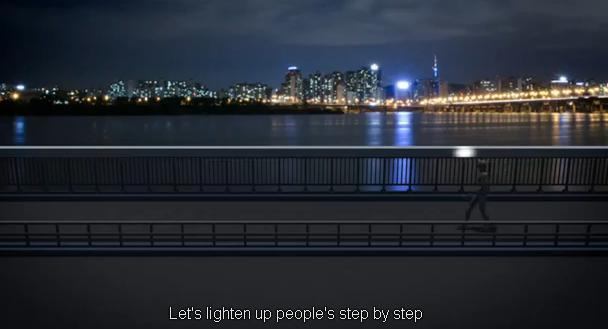 """""""Samsung ประกันชีวิต"""" สร้างสะพานอินเทอร์แอคทีฟเติมพลังใจคนฆ่าตัวตาย"""