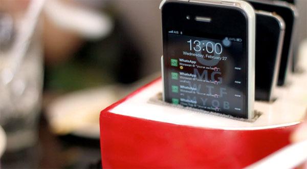 Coca Suki  เปิดตัวหม้อสุกี้ที่ทุกคนต้องวางโทรศัพท์มือถือก่อน หม้อจึงจะทำงาน