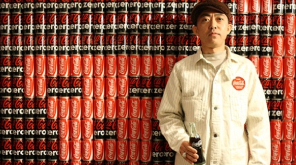 ตามไปดู เสื้อแบรนด์ Coca-Cola บุกตลาดแล้วที่ญี่ปุ่น