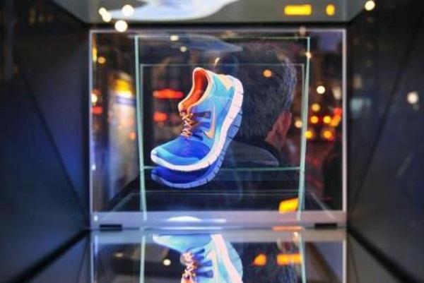 Nike ใช้ภาพโฮโลกราฟฟิกทำโฆษณาสมจริง
