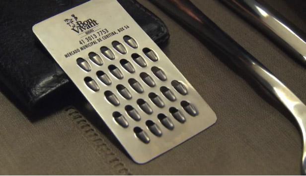 ร้านอาหาร แจกนามบัตรแข็ง ใช้ขูดชีสได้