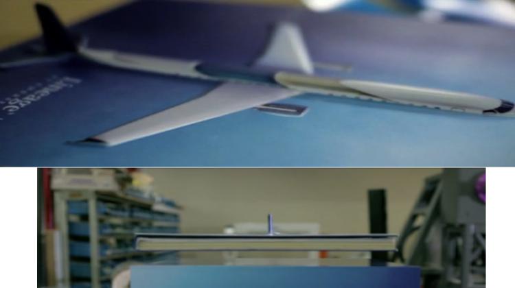 """ใช้ """"แคตาล็อกลอยได้"""" เพื่อขายเครื่องบิน"""