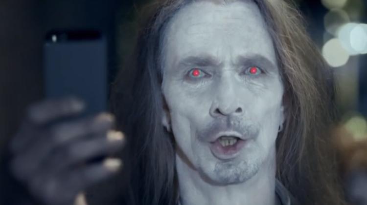 โนเกียใช้ตาแดงๆ ของซอมบี้จี้จุดบอดไอโฟน