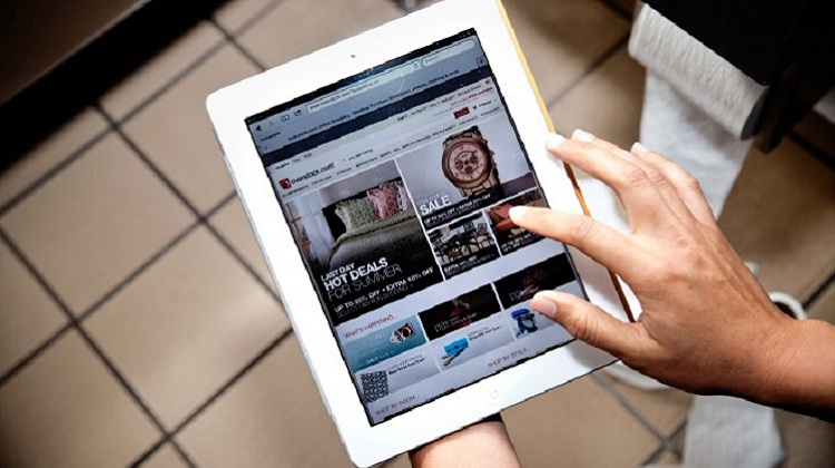 """ชาวอเมริกัน 10% คลิกซื้อสินค้าออนไลน์ด้วยแท็บเล็ตใน""""ห้องน้ำ"""""""