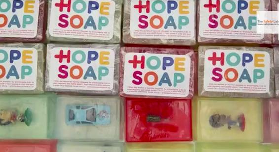 รณรงค์ให้เด็กๆ ล้างมือบ่อยๆ ต้องใช้วิธีมัดใจอย่างไร?