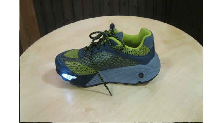 Vibram โชว์รองเท้าฝังเซ็นเซอร์-ไฟ LED