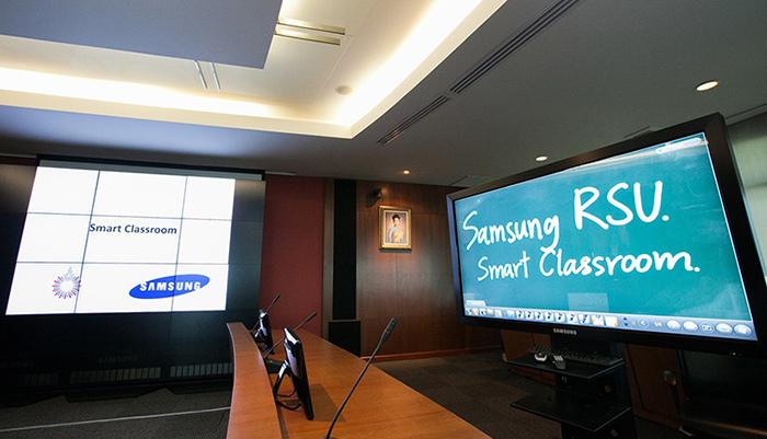 Samsung-Smart-Classroom-2