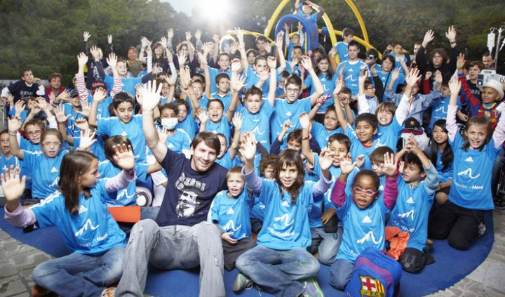 leo-messi-foundation-dolce-and-gabbana-inside5