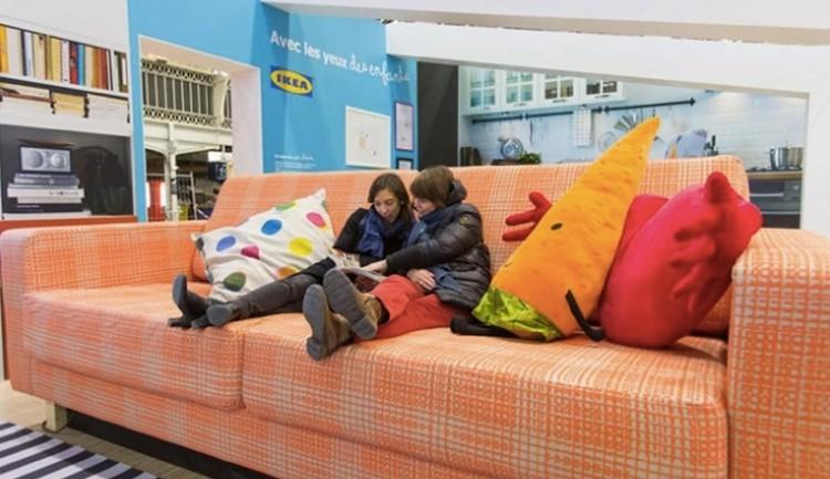 """IKEA และ MCDonald's ใจตรงกันใช้ """"ของใหญ่ๆ"""" ฉลองวันเด็ก"""