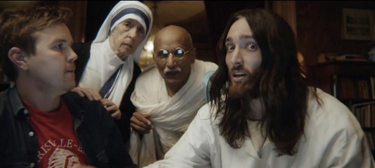 Unicef ใช้ พระเยซู แม่ชีเทเรซ่า และมหาตมะคานที มาร่วมเป็นพรีเซ็นเตอร์ในโฆษณาชุดเดียว กระตุ้นยอดบริจาคยา