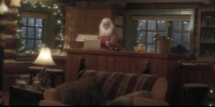 ขนาดซานต้ายังต้องมีตัวช่วย โฆษณาน่ารักขายบริการ Google Helpout ในบรรยากาศคริสต์มาส