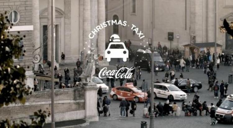 """โค้กฉลองคริสต์มาสสร้าง """"แท็กซี่มวลชน"""" ไปทางเดียวกันนั่งไปด้วยกันฟรี!"""