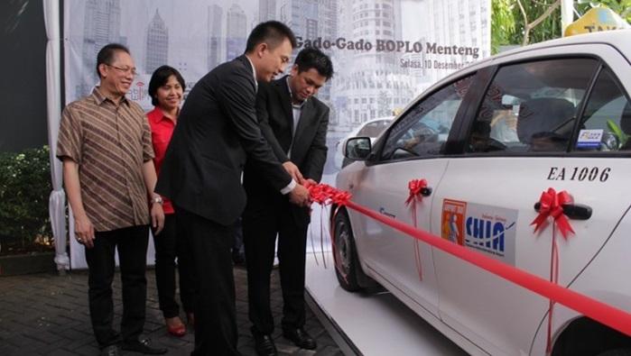 อินโดนีเซียนำร่องให้บริการ free wi-fi บนแท็กซี่แล้ว