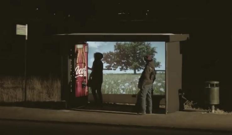 โค้กเสกบรรยากาศซัมเมอร์ที่ป้ายรถเมล์ เอาใจลูกค้าสวีเดน ผู้ที่ยากจะได้เห็นพระอาทิตย์!