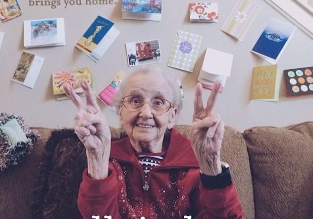Instagram คุณย่า Betty กำลังทำให้พวกเรามีความสุข แม้ท่านจะป่วยเป็นมะเร็ง