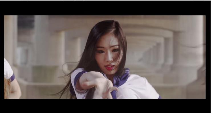 ไม่ต้องไต่บันไดฟัง! เทศกาลดนตรีโปรโมทตัวเองโดยเรียกศิลปินเกาหลีมาเต้น Cover เพลงคลาสลิกให้