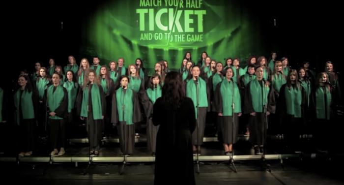 ไฮเนเก้นใช้กิมมิกสนุกให้หนุ่มชวนแฟนสาวร้องเพลงมาร์ชแชมเปี้ยนลีคส์ ร้องถูกเป๊ะ ได้ตั๋วดูรอบชิง