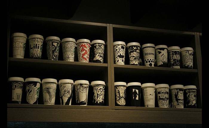 barista-starbucks-cup-12