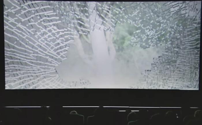 โฟล์กตีเนียน!แกล้งส่งข้อความหาคนในโรงหนัง เพื่อรณรงค์ขับไม่โทร!