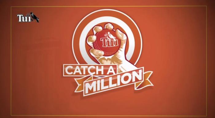 แบรนด์เบียร์หาวิธีทำ Sport Marketing โดยไม่ต้องเป็นสปอนเซอร์ แค่แจกเงินล้านกับคนคว้าบอลนอกสนามได้ในมือเดียว!