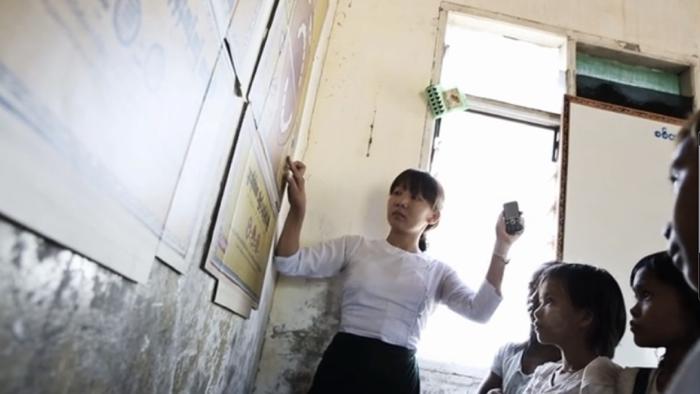 คอลเกตทำ CSR เข้าถึงตลาดพม่าด้วยการศึกษาผ่านลังกระดาษ!
