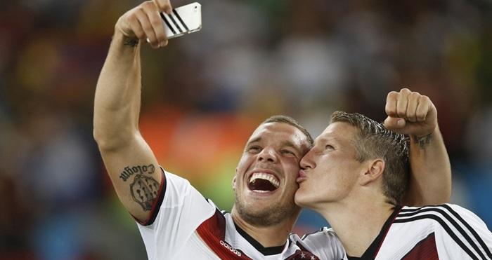 แก่แล้วตามไม่ทัน…อินทรีเหล็กฉลองแชมป์บอลโลก2014ด้วยการเซลฟี่ท่วงท่าสยิวใจเจ๊
