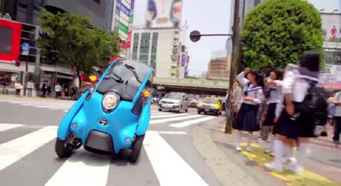 i-ROAD ยานยนต์พลังงานไฟฟ้าสุดน่ารักใหม่-ลูกผสมรถยนต์กับมอ'ไซค์