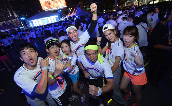 ซัมซุงจัดกิจกรรม Midnight Run ชวนเซเลบ Gen Y มาวิ่งปล่อยแสง