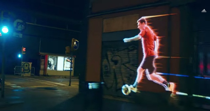 Adidas ส่ง Leo Messi เตะบอลทั่วบาร์เซโลน่าด้วยเทคโนโลยี video mapping