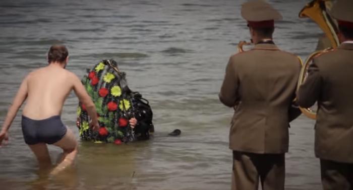 กระทรวงฯ ออกคลิปไวรัลเตือนภัยคนเมาไม่ว่ายน้ำด้วยงานศพจำลอง
