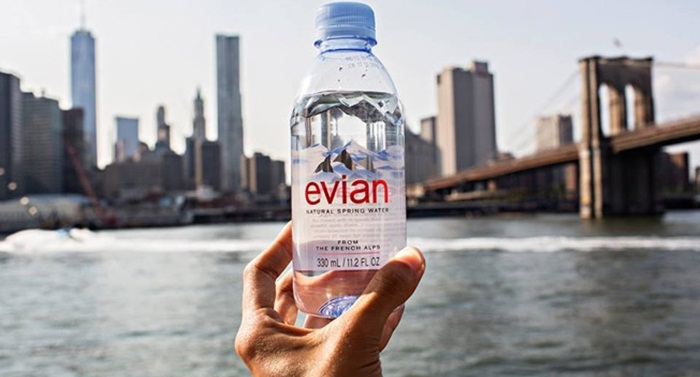 Evian ส่ง Real-time campaign ส่งน้ำดื่มให้คุณทันทีเพียงทวิตไปหาพวกเขา