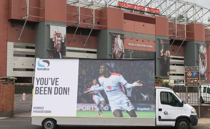 Sondico แบรนด์กีฬาสุดครีเอท ทำป้ายโฆษณาเยอะเย้ย ผีแดง แมนยูฯ