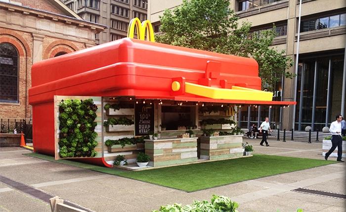 แมคโดนัลด์ ออสเตรเลีย โปรโมทเมนูใหม่ ยกกล่องอาหารมาตั้งกลางเมือง