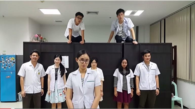 """ทีมแพทย์ รพ.สุไหงโก-ลก เต้น """"เพลง ABC ชักกระตุก"""" อย่างฮา สะบัดกันสุดติ่ง"""
