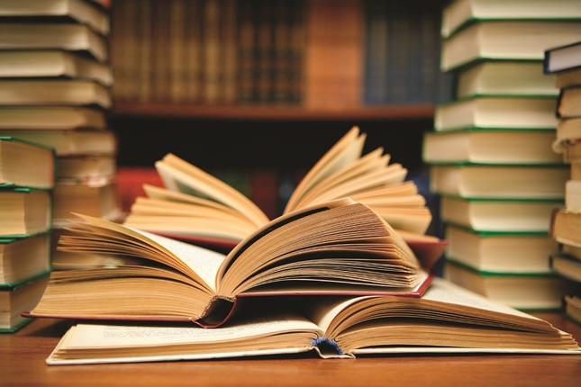 """ประโยชน์และข้อคิดดีๆ ของการ """"อ่านหนังสือ"""" เพื่อเป็นนักธุรกิจที่ประสบความสำเร็จ"""