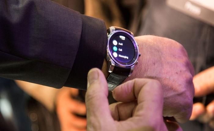 Audi เซอร์ไพรส์! เปิดตัว Smartwatch ให้คุยกับรถได้ ที่งาน CES 2015
