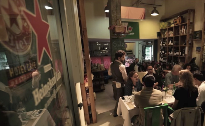 Heineken ใช้กลยุทธ์ Tie-In เปิดร้านอาหารธีมไฮเนเก้นแบบป็อปอัปสโตร์ในอิสราเอล