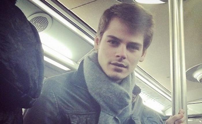 """ฟินเฟอร์ …ไอจีใหม่เอาใจสาวๆ """"Hot French Guys"""" แอบส่องหนุ่มปารีสบนรถใต้ดิน"""