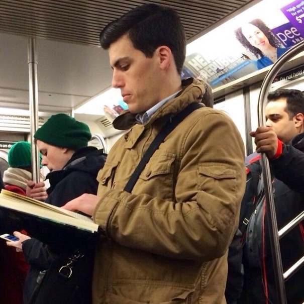 hot-dudes-reading-books-instagram-9-605x605