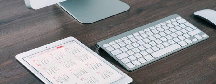 computer-desk-ipad-calendar-798x310