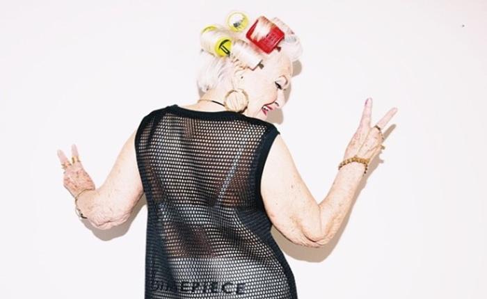"""""""คุณยายสุดแซ่บ"""" เน็ตไอดอลใหม่ คนตามไอจีเป็นแสน จนได้เป็นนางแบบเสื้อผ้า"""